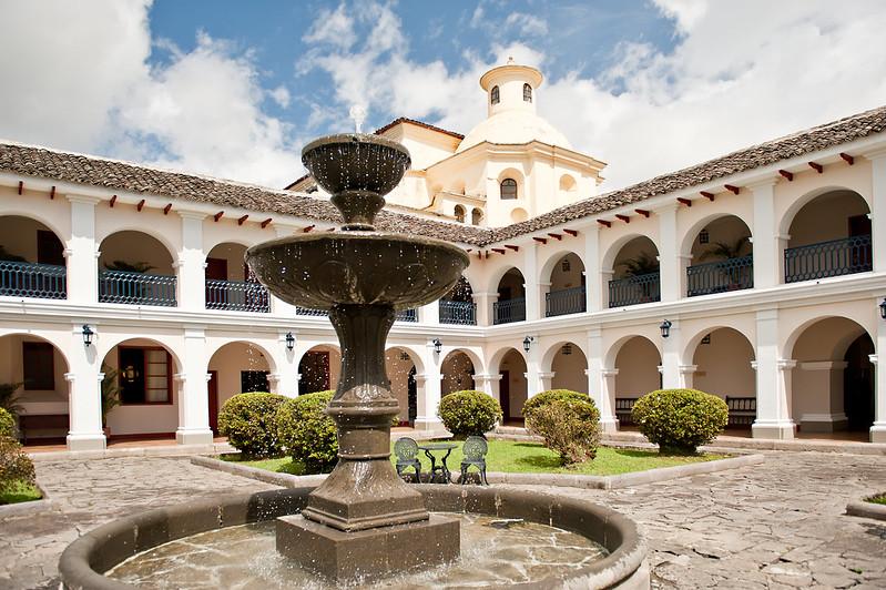 Pileta del Hotel Dann Monasterio, Popayán